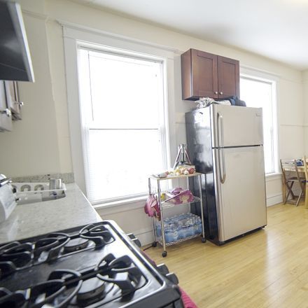 Rent this 2 bed townhouse on North Hamlin Avenue in Chicago, IL 60647