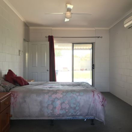 Rent this 3 bed house on 17 Memorial Avenue