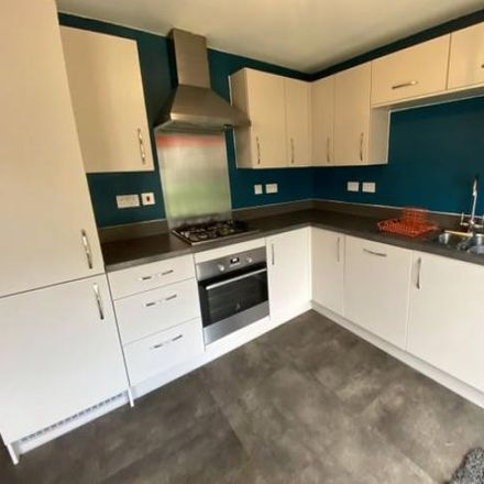 Rent this 3 bed house on Bradford BD22 6FG