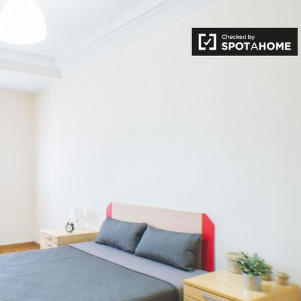 Rent this 7 bed room on Calle de Granada in 50, 28007 Madrid
