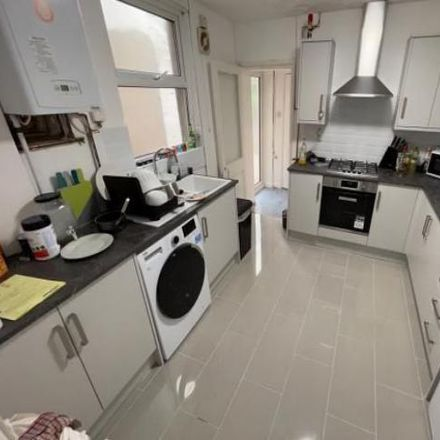 Rent this 5 bed house on Dough in Cranbrook Street, Cardiff