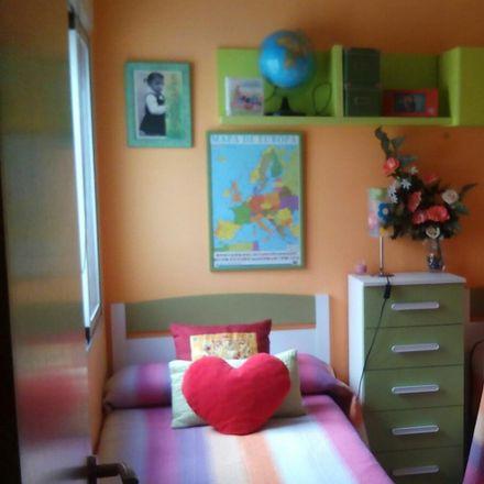 Rent this 2 bed room on Calle de Valencia in 46910 Benetússer, Spain