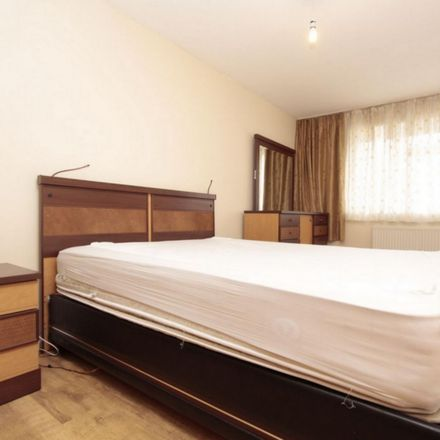 Rent this 4 bed room on Conistone Way in London N7 9DE, United Kingdom