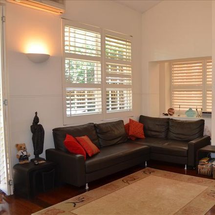 Rent this 2 bed apartment on 6/10 Dalleys Road
