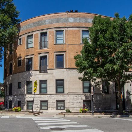 Rent this 2 bed condo on 4208-4214 North Kenmore Avenue in Chicago, IL 60613