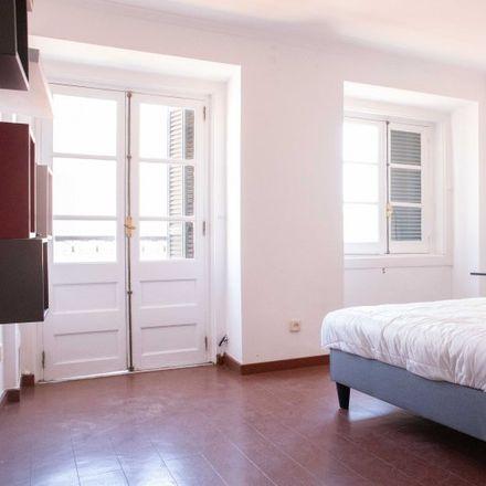Rent this 2 bed room on Hospital de Santo António dos Capuchos in Alameda de Santo António dos Capuchos, 1169-050 Arroios
