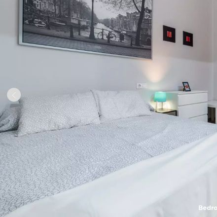 Rent this 6 bed room on Calle Pintor Benedito in 46007 Valencia, España