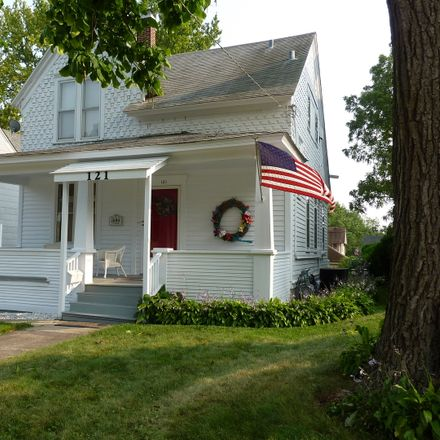Rent this 1 bed house on 121 Oak Street in Elgin, IL 60123