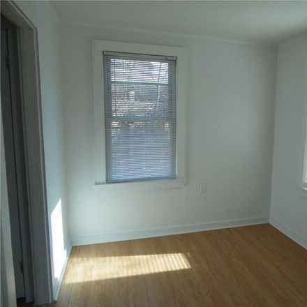 Rent this 1 bed house on 8 Vivian Street in Central Waterford, CT 06385