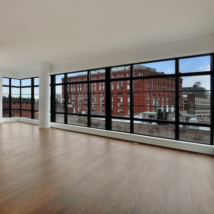 Rent this 2 bed loft on Charles Street in New York, NY 10014