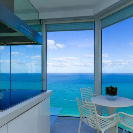 Rent this 3 bed condo on Green Diamond Condominium in 4775 Collins Avenue, Miami Beach