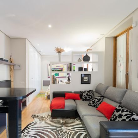 Rent this 1 bed apartment on Calle de Alcalá in 88, 28009 Madrid