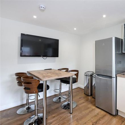 Rent this 1 bed room on 125 Curzon Street in Reading RG30 1BQ, United Kingdom