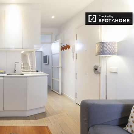 Rent this 1 bed apartment on Hola Café in Calle del Doctor Fourquet, 28001 Madrid