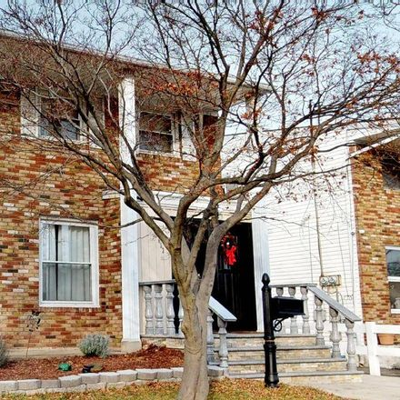 Rent this 5 bed apartment on Barlow Ct in Staten Island, NY
