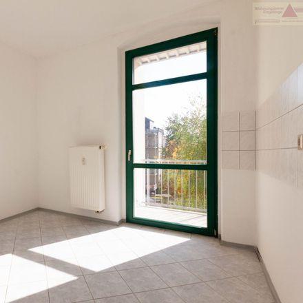 Rent this 3 bed apartment on Groschupf in Gneisenaustraße 10, 09131 Chemnitz