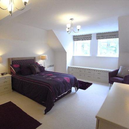 Rent this 2 bed apartment on Harrogate Road in Leeds LS17 7DA, United Kingdom