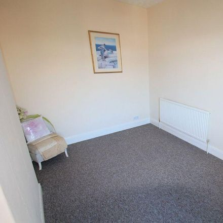 Rent this 3 bed house on Earlesmere Avenue in Doncaster DN4 0QG, United Kingdom