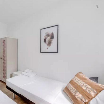 Rent this 3 bed apartment on Alcampo in Paseo de la Esperanza, 51