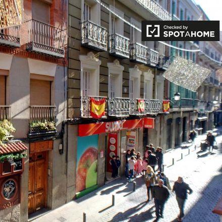 Rent this 1 bed apartment on Calle de la Cruz in 21, 28014 Madrid