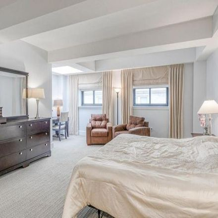 Rent this 1 bed condo on The Ellington in 1500 Chestnut Street, Philadelphia