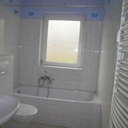 Rent this 3 bed apartment on Zweigstraße 14 in 27749 Delmenhorst, Germany