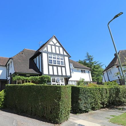 Rent this 5 bed house on Brookland Rise in London NW11 6DT, United Kingdom