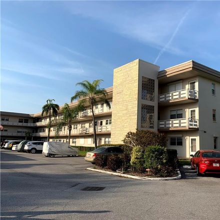 Rent this 2 bed condo on 80th Street North in Saint Petersburg, FL 33710