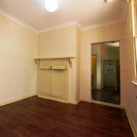 Rent this 1 bed room on 3 50 Flinders Street