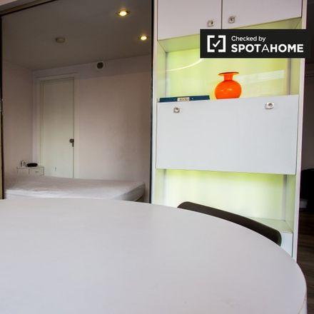 Rent this 0 bed apartment on Rue Archimède - Archimedesstraat 64 in 1000 Ville de Bruxelles - Stad Brussel, Belgium