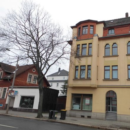 Rent this 3 bed apartment on Crimmitschauer Straße 28c in 08058 Zwickau, Germany