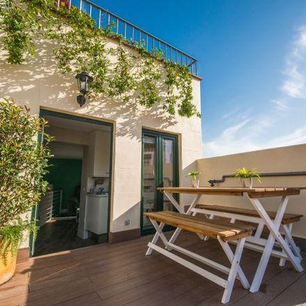 Rent this 3 bed apartment on Hamburguesería Don Oso in Calle de la Cruz, 26