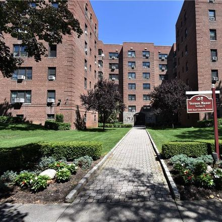 Rent this 1 bed condo on 505 East Lincoln Avenue in Mount Vernon, NY 10552