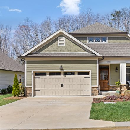 Rent this 3 bed house on 3620 Scarlet Maple Court in Signal Mountain, TN 37377