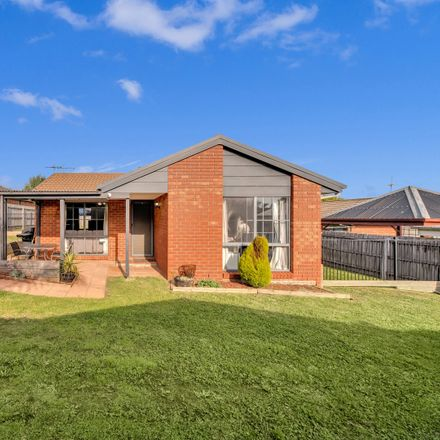 Rent this 4 bed house on 15 Culcairn Court