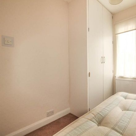 Rent this 2 bed apartment on King's Avenue in London UB6 9DB, United Kingdom