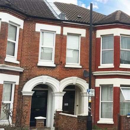Rent this 6 bed house on 21 Wilton Avenue in Southampton SO15 2HF, United Kingdom