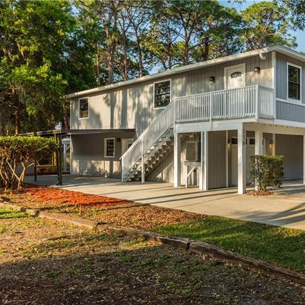 Rent this 3 bed house on 69th Ave N in Saint Petersburg, FL