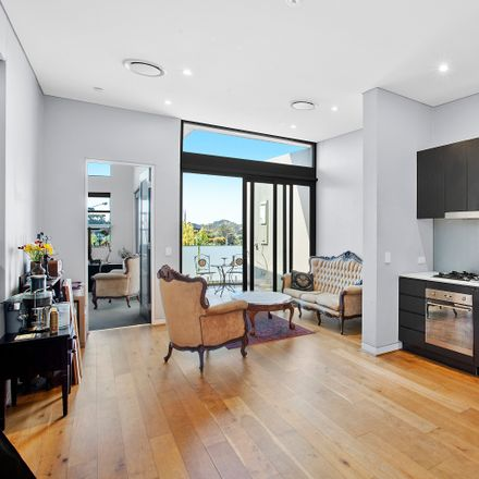 Rent this 1 bed apartment on 14/1731 Pittwater Road