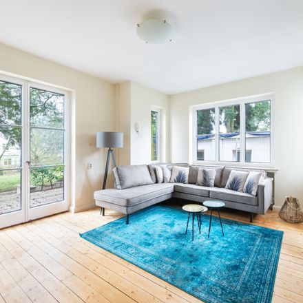 Rent this 3 bed apartment on Hesterkamp 25 in 28717 Bremen, Germany
