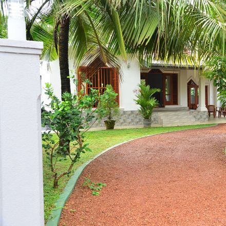 Rent this 2 bed house on Surfing Narigama Beach in Regina Niwasa Road, Thiranagama 80244