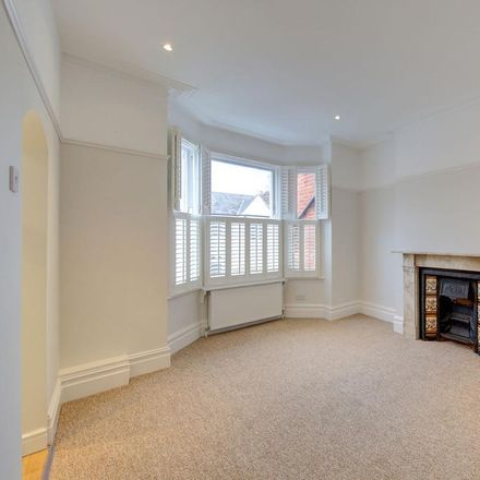Rent this 3 bed house on Taybridge Road in London SW11, United Kingdom