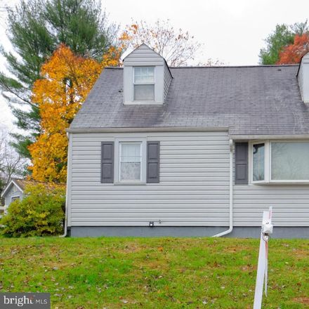 Rent this 3 bed house on 11 Woodhill Rd in Newtown Square, PA