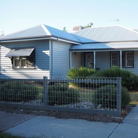 Rent this 3 bed house on 19 Searle Street