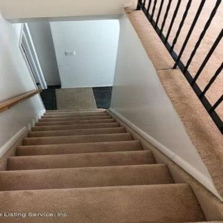 Rent this 3 bed condo on 448 Clifton Avenue in New York, NY 10305
