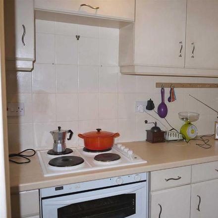 Rent this 2 bed house on Stratford-on-Avon CV37 8PJ