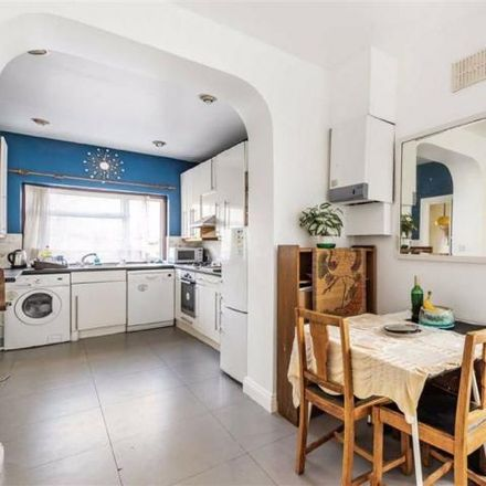 Rent this 5 bed house on Poynings Way in London N12 7LP, United Kingdom