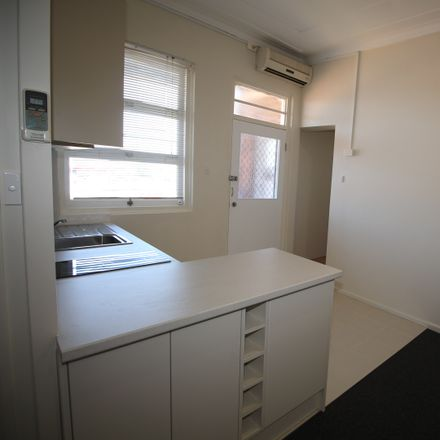 Rent this 1 bed apartment on 3/51 Vincent Street