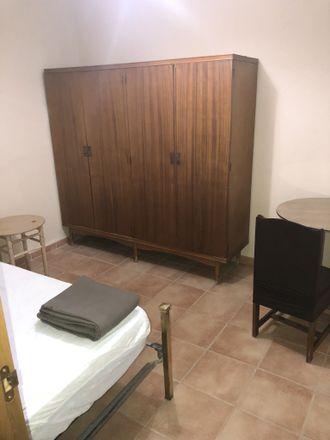 Rent this 5 bed room on Av. la Constitución in 20, 40005 Segovia