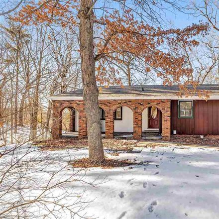 Rent this 3 bed house on 143 Colt Court in Green Bay, WI 54302